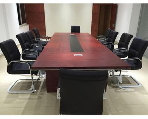沈阳办公家具回收,会议桌椅、员工工位、大班台回收,沈阳二手家具回收
